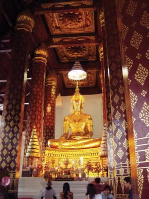Tuong Phat bang dong