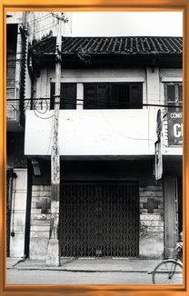 Nha co Chau Van Liem