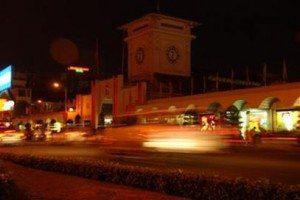Lộng lẫy sắc xuân Sài Gòn đêm