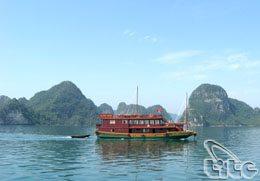 Vịnh Hạ Long được bình chọn là 1 trong 10 điểm đến du lịch bằng thuyền nổi tiếng trên thế giới