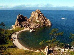 Khám phá hồ nước ngọt sâu nhất thế giới
