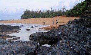 Vẻ đẹp hoang sơ và lãng mạn trên biển Rạng – Quảng Nam