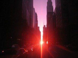 Ngắm hoàng hôn ngoạn mục ở Manhattanhenge
