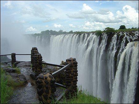 thac victoria zimbabwe tuyet dep