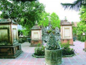 Ngôi chùa cổ và 9 viên xá lị Phật hoàng