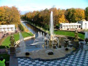 Mùa thu đẹp như cổ tích ở St. Petersburg