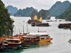Đảm bảo an toàn du lịch vịnh Hạ Long mùa mưa bão