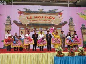 Đoàn kết các dân tộc trong Lễ hội Đền truyền thống