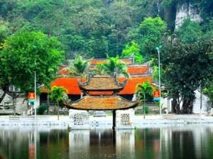 Vẻ đẹp non nước chùa Thầy