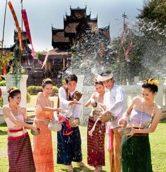 le tat nuoc vui nhon o thai lan