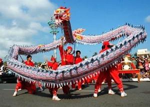Hà Nội: Liên hoan múa rồng và nhảy tập thể lập kỷ lục