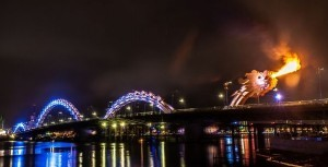 Cầu Rồng Đà Nẵng lung linh về đêm
