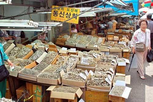 khu pho Tay Itaewon