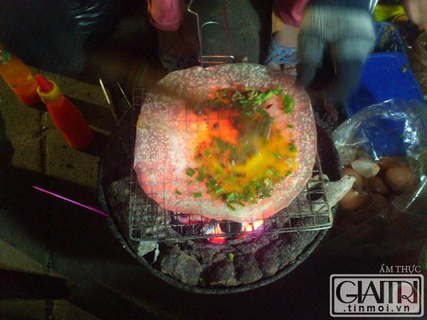 nuong banh trang - du lịch Nam Phuong