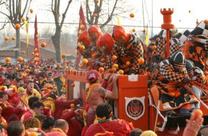 Lễ hội ném cam độc đáo tại Italy