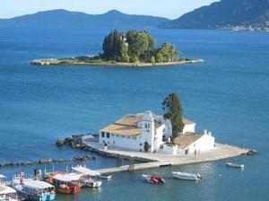 Những hòn đảo lãng mạn và quyến rũ trên thế giới