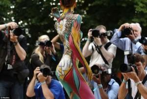 Độc đáo lễ hội vẽ tranh trên cơ thể người lớn nhất thế giới