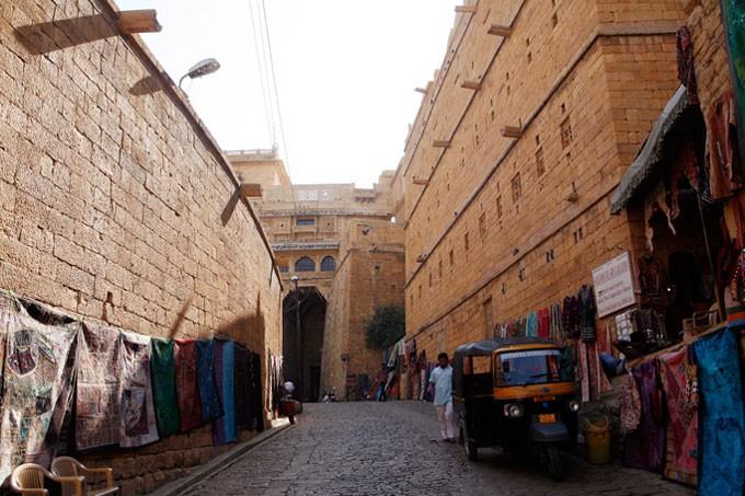 Jaisalmer tap nap buon ban