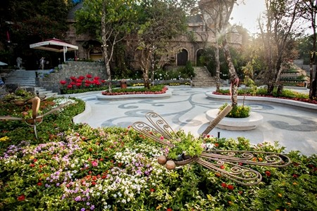Tham quan khu vuon hoa Le Jardin D'amour