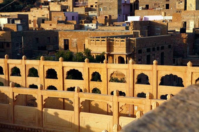 Thanh pho Jaisalmer vao buoi chieu ta