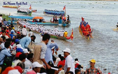 boat_safety_vireak_mai_AHJL