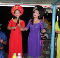 Lễ đón bằng công nhận ca Huế là Di sản văn hóa phi vật thể quốc gia